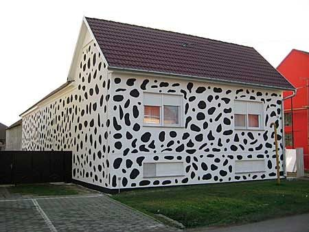 20-fotos-e-ideas-colores-fachadas-casas-exteriores-casa-pintada-de-dalmata