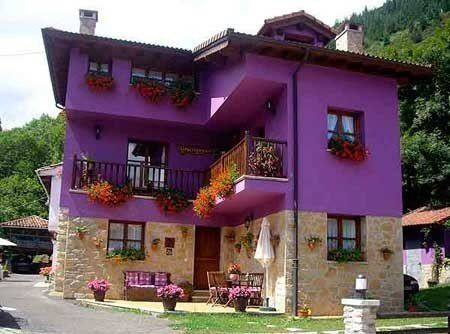 20-fotos-e-ideas-colores-fachadas-casas-exteriores-casa-pintada-de-morado