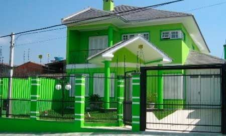 20-fotos-e-ideas-colores-fachadas-casas-exteriores-casa-pintada-de-verde