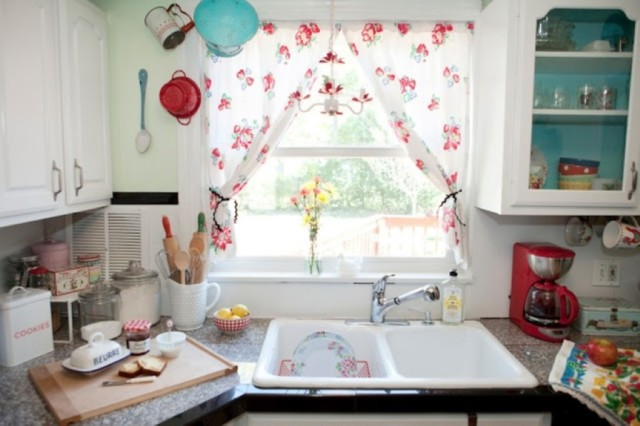 30-fotos-cocinas-decoradas-con-encanto-cortina