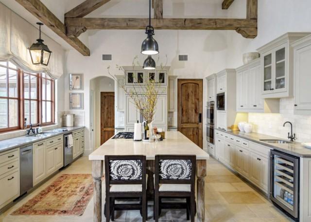 30-fotos-cocinas-decoradas-con-encanto-cortina-rustica-color-blanco