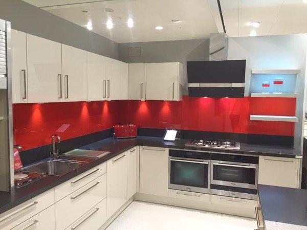 30-fotos-cocinas-decoradas-con-encanto-estilo-moderno-rojo