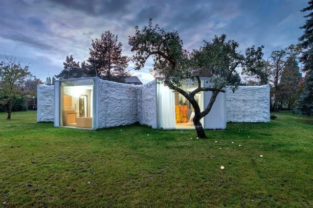 50-fotos-fachadas-casas-mas-bonitas-modernas-del-mundo-casa-de-estilo-moderno-blanca-con-varias-oberturas