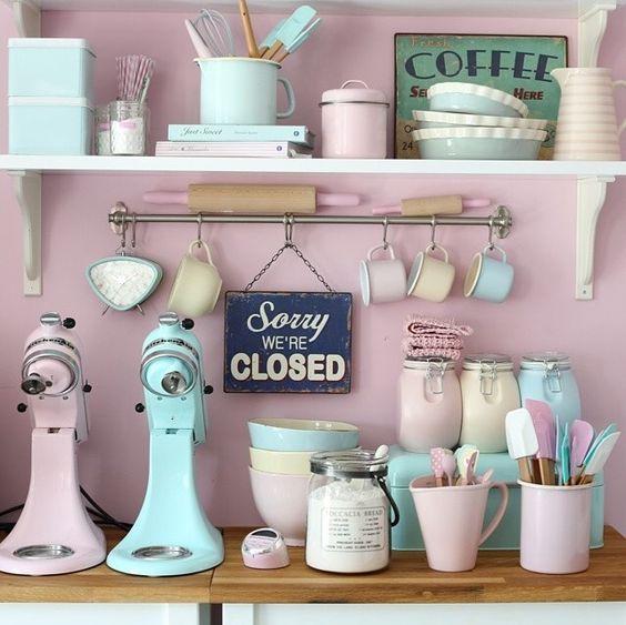 M s de 30 ideas para decorar una cocina al estilo vintage - Utensilios de cocina de diseno ...