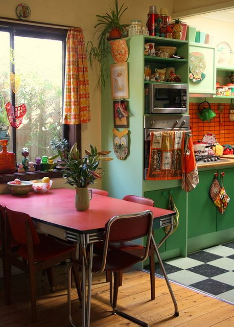 M s de 30 ideas para decorar una cocina al estilo vintage for Cortinas de cocinas ideas
