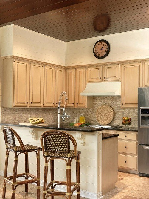 kitchens-small-color-light-wood