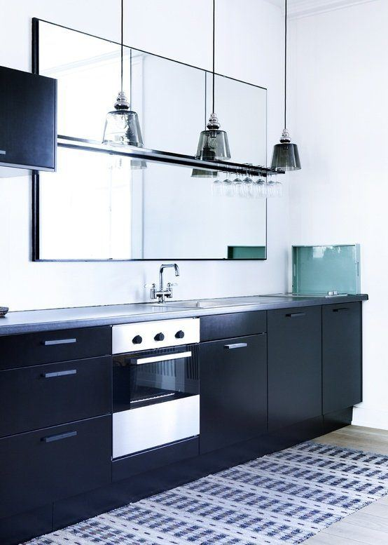 kitchens-small-with-mirrors-furniture-black