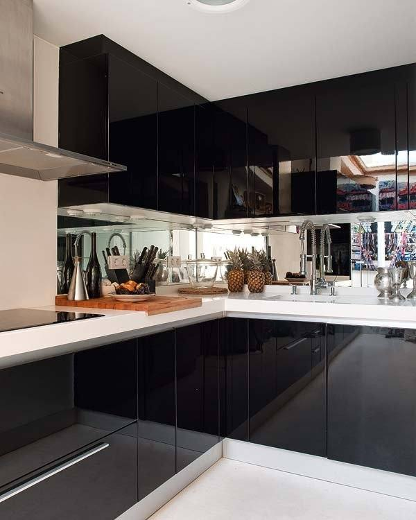 kitchens-small-with-mirrors-black