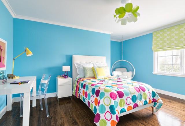colores-para-cuartos-juveniles-paredes-azules-techo-blanco