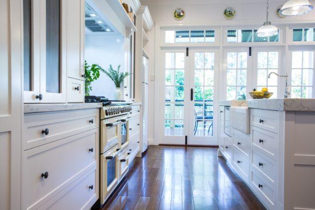 fotos-cocinas-decoradas-encanto-cocina-con-suelo-de-madera