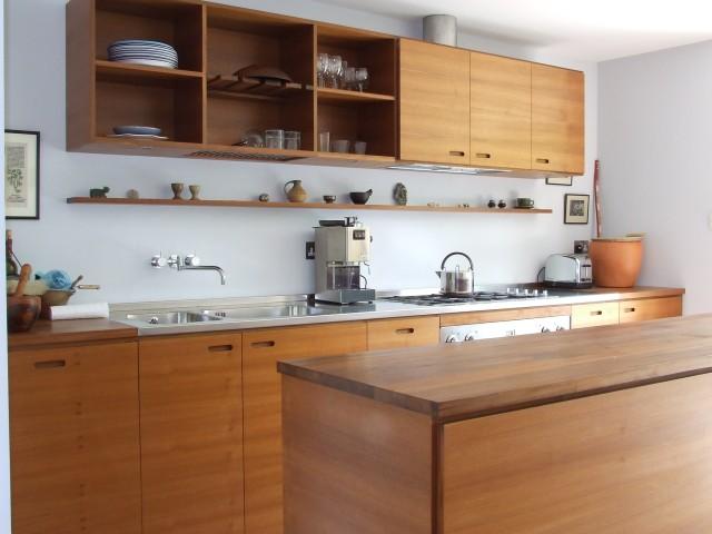 fotos-con-ideas-de-cocinas-de-obra-que-te-van-a-encantar-cocina-con-estantes