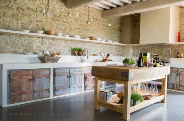 fotos-con-ideas-de-cocinas-de-obra-que-te-van-a-encantar-cocina-con-toques-modernos