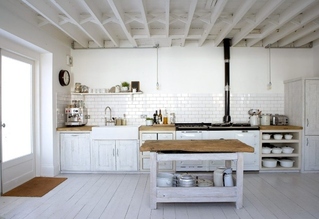 fotos-con-ideas-de-cocinas-de-obra-que-te-van-a-encantar-cocina-de-obra-en-color-blanco