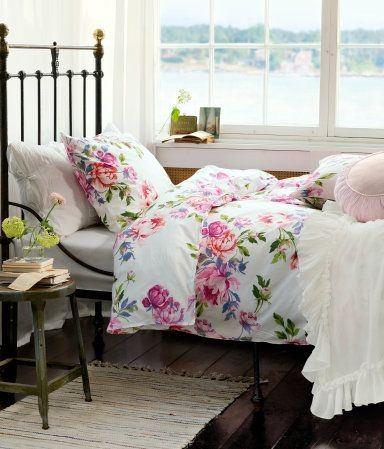 dormitorios-con-encanto-toques-de-color-edredon