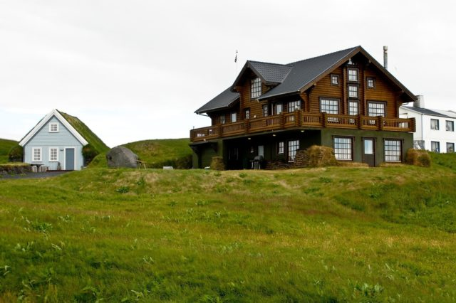photos-facades-houses-more-beautiful-modern-of-the-world-house-field-two-plants-wood