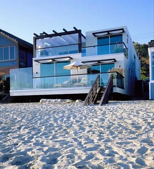 fotos-fachadas-casas-mas-bonitas-modernas-del-mundo-casa-de-playa-minimalista