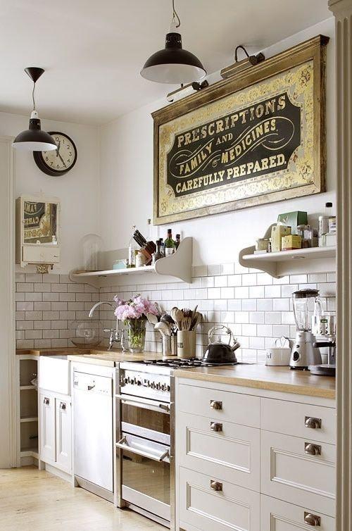 ideas-para-decorar-una-cocina-estilo-vintage-carteles