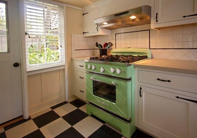 ideas-para-decorar-una-cocina-estilo-vintage-horno-cocina-verde
