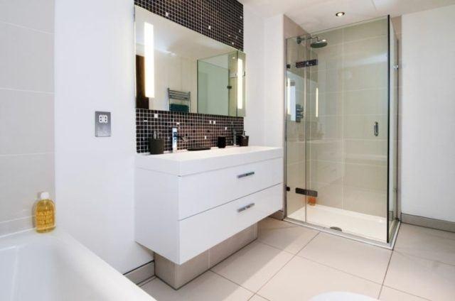 baño-moderno-con-cabina-de-ducha
