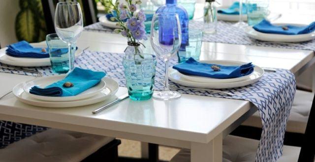 camino-de-mesa-blanco-y-azul