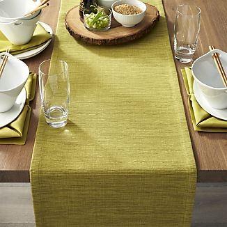 camino-de-mesa-de-lino-verde