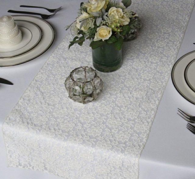 caminos-de-mesa-con-estampado-floral