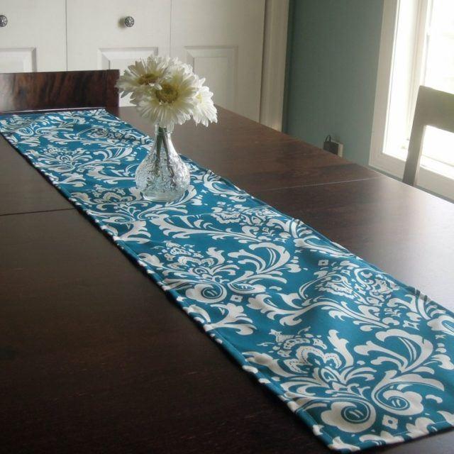 caminos-de-mesa-estilo-contemporraneo-azul-blanco