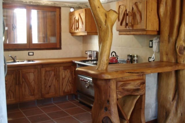 kitchens-rustic-like-decorate-wood