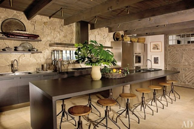 kitchens-rustic-modern-with-stools