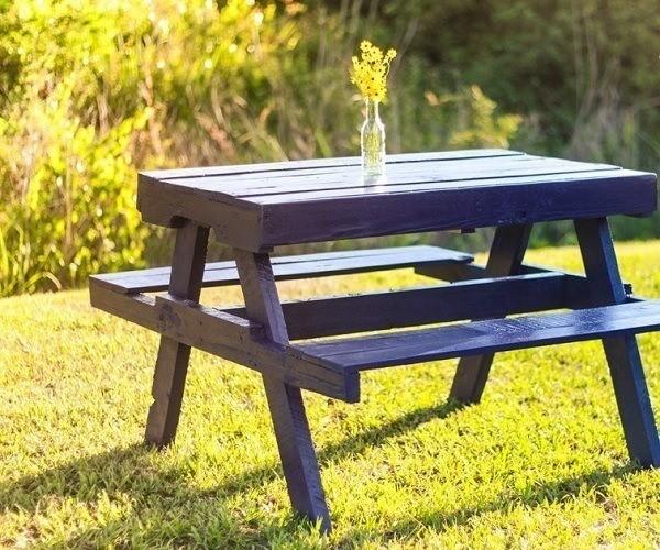 M s de 100 ideas de muebles hechos con palets reciclados for Como hacer mesa de trabajo con palets