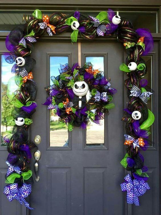 Decor-doors-halloween-crown