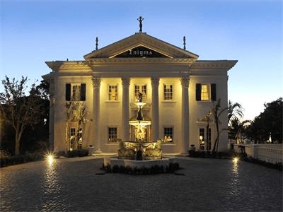 De 200 fotos de fachadas de casas modernas y bonitas del for Fachadas de casas modernas en italia