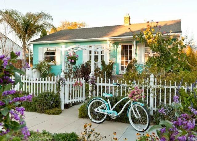house-romantic-green
