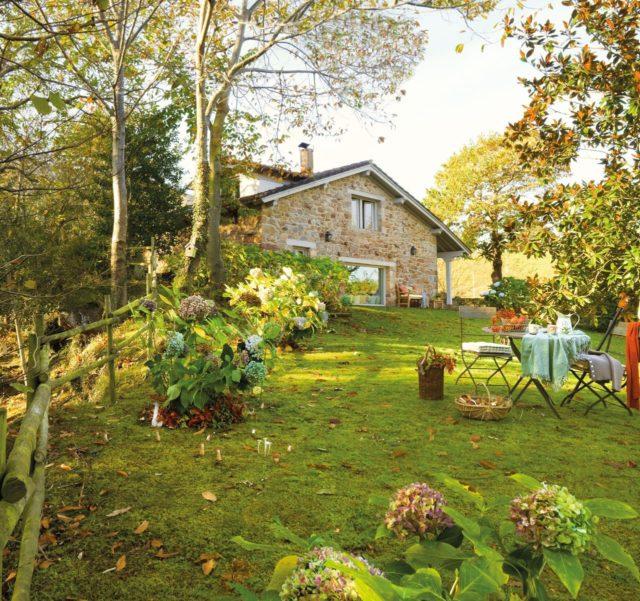 M s de 200 fotos de fachadas de casas modernas y bonitas - Casas con jardines bonitos ...