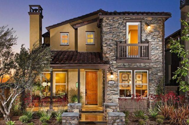 M s de 200 fotos de fachadas de casas modernas y bonitas for Casas modernas con puertas antiguas
