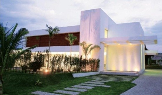 facades-of-houses-most-beautiful-and-modern-house-with-garden