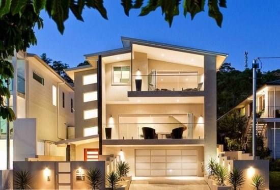 facades-of-houses-most-beautiful-and-modern-house-three-storey-with-balcony