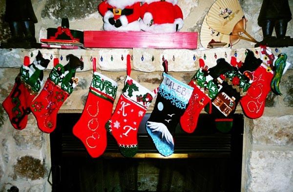 calcetines-de-navidad-chimenea