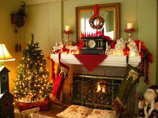 calcetines-de-navidad-en-chimenea