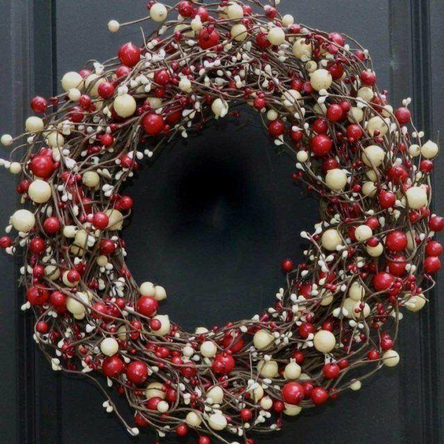 coronas-de-navidad-bolitas-rojas