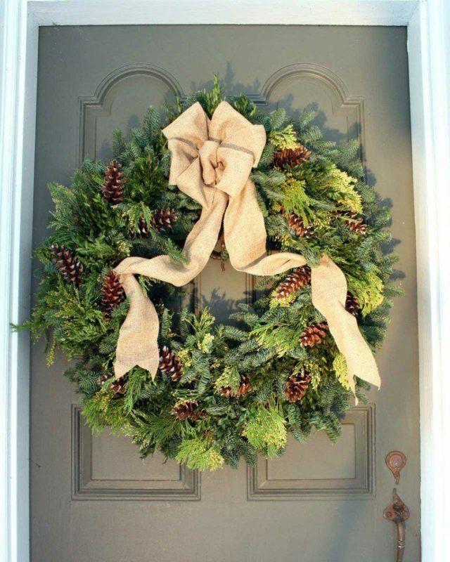 coronas-de-navidad-puerta-decorada