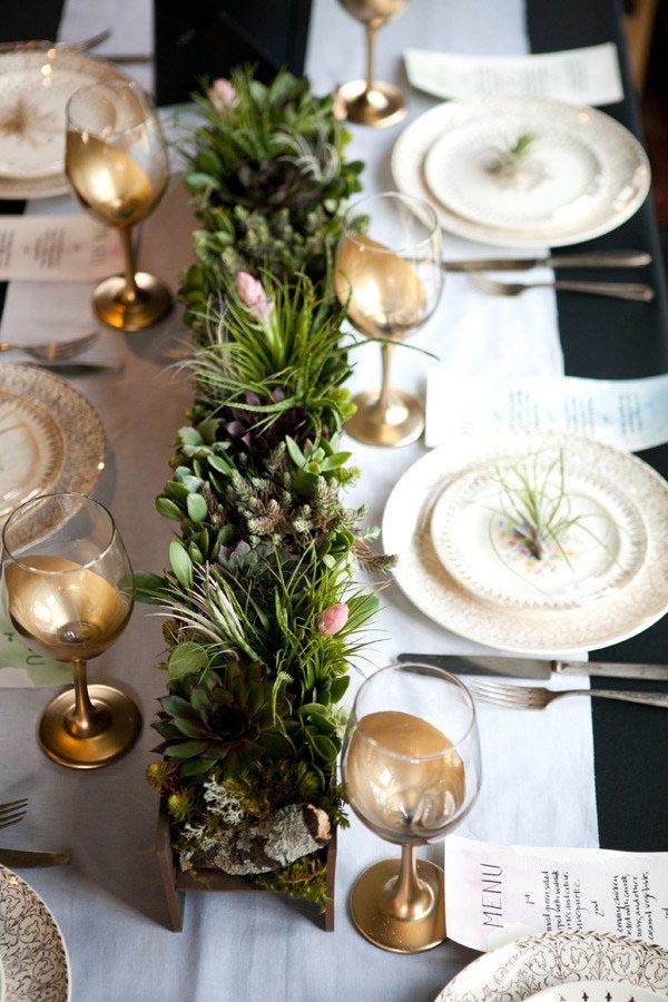 manteles-de-navidad-negro-con-camino-de-mesa-blanco