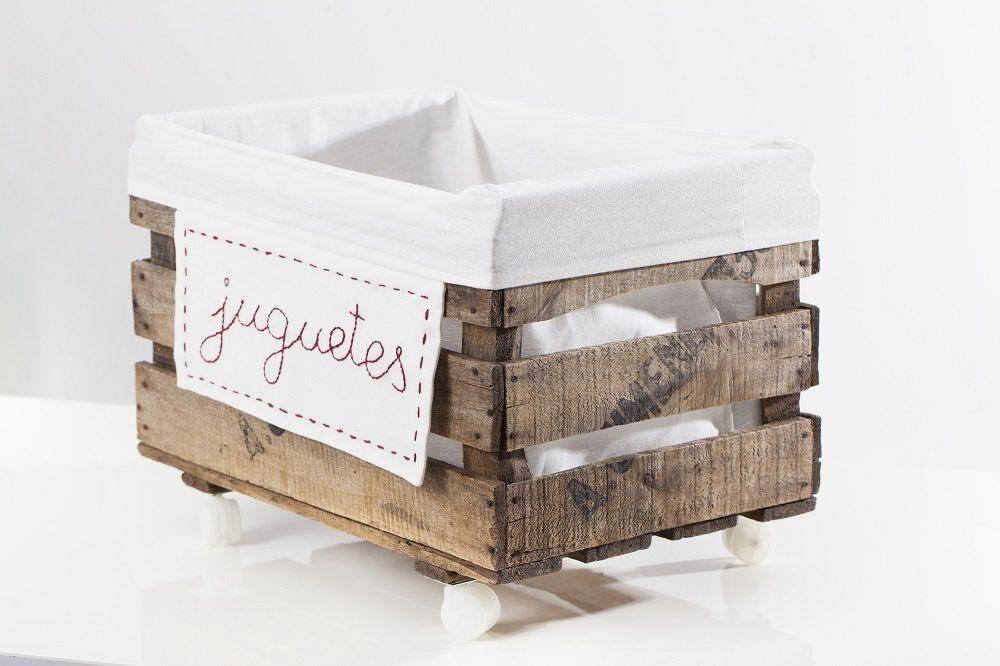 Ideas para guardar juguetes muebles cajas y ba les for Cajas de plastico para guardar ropa