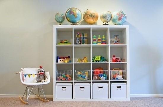 Ideas para guardar juguetes muebles cajas y ba les - Estantes para juguetes ...