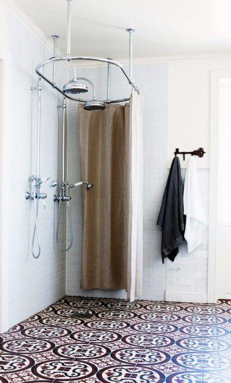 bano-pequeno-ducha-retro-600x996