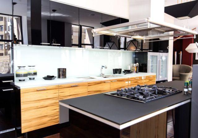 M s de 25 fotos con ideas de cocinas negras for Cocinas integrales negras