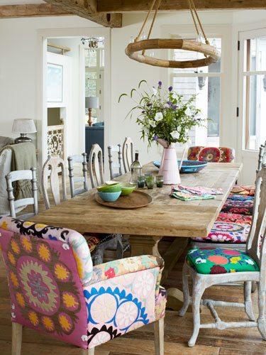 Comedores-vintage-mesa-madera-sillas-tapizadas- EspacioHogar.com