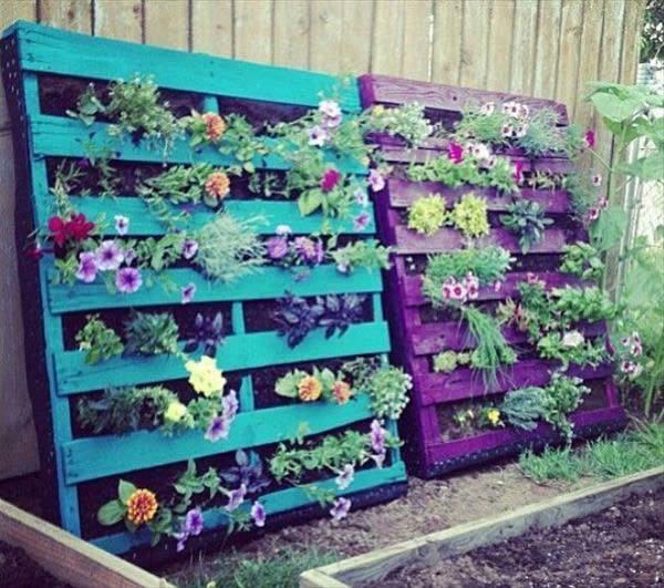 de 50 fotos de jardines decorados con palets