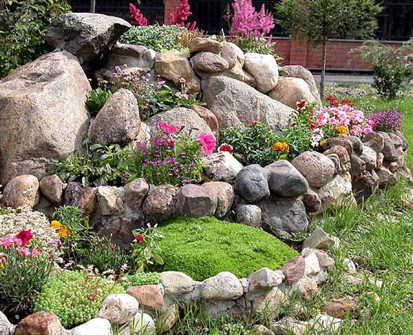 M s de 20 fotos de jardines con piedras que os van a encantar for Piedras grandes para jardin