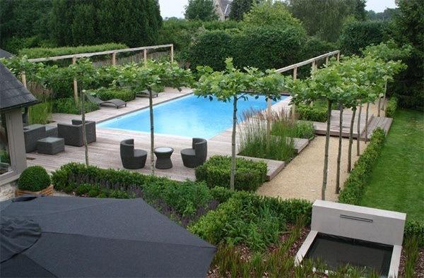 jardn con piscina y terraza - Piscinas Jardin